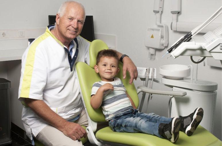 Met tandprotheticus Cor van der Wal als dé specialist voor uw kunstgebit